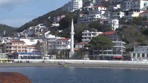 "Moschee in Ulcinj am kleinen Strand ""mala plaža"""