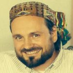 Jörg Imran Schröter, 46, ist Juniorprofessor für islamische Theologie an der Pädagogischen Hochschule in Karlsruhe. Als ehrenamtlicher Imam hält er regelmäßig das Freitagsgebet in der Justizvollzugsanstalt Freiburg ab.